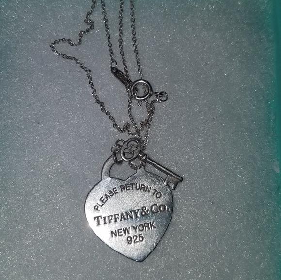 5c4ba4c67eac Tiffany   Co. Heart Tag with Key Pendant. M 5b88357dc617779da210a477